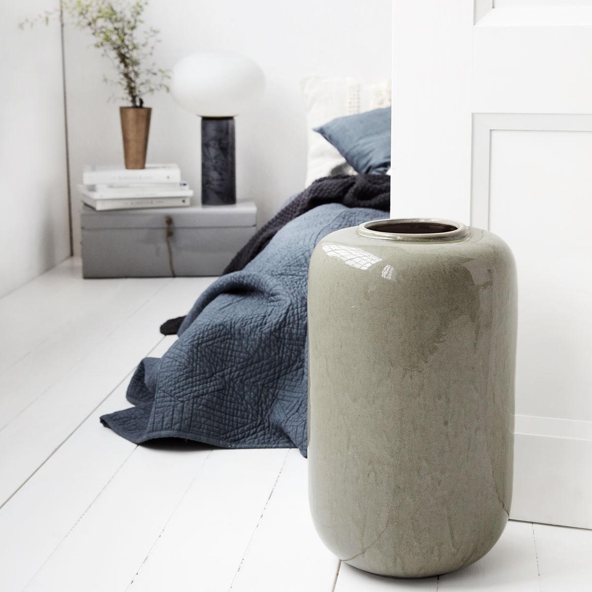 Váza nefritová, šedá, P.29 cm, v.50 cm_1