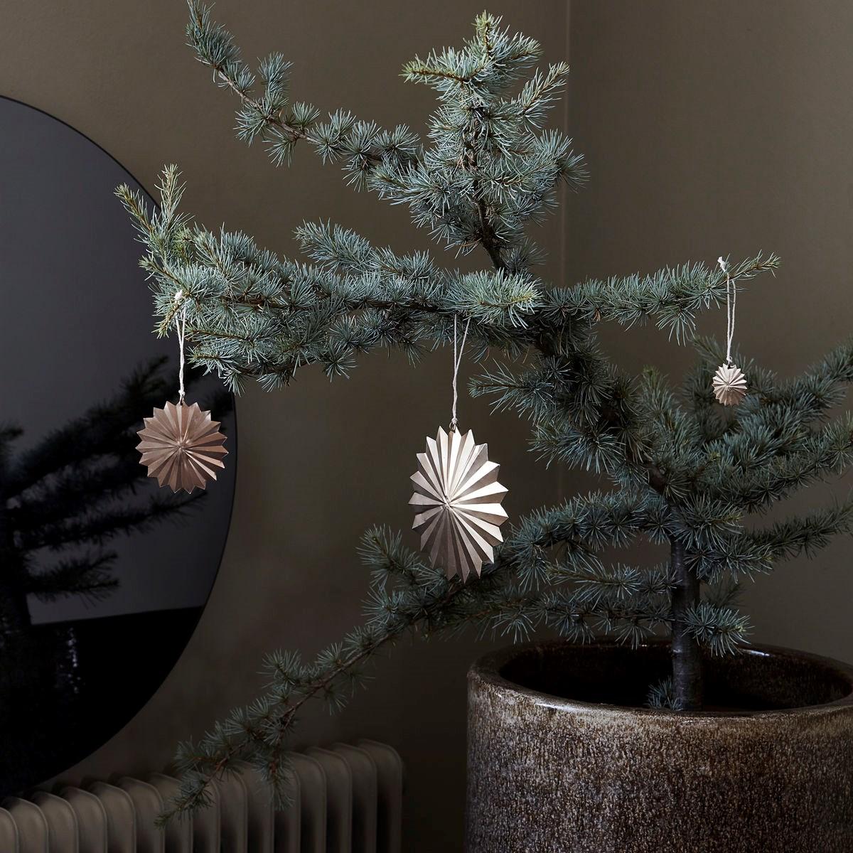 Vánoční dekorace hvězda ROSETTE 12 cm mosazná_3