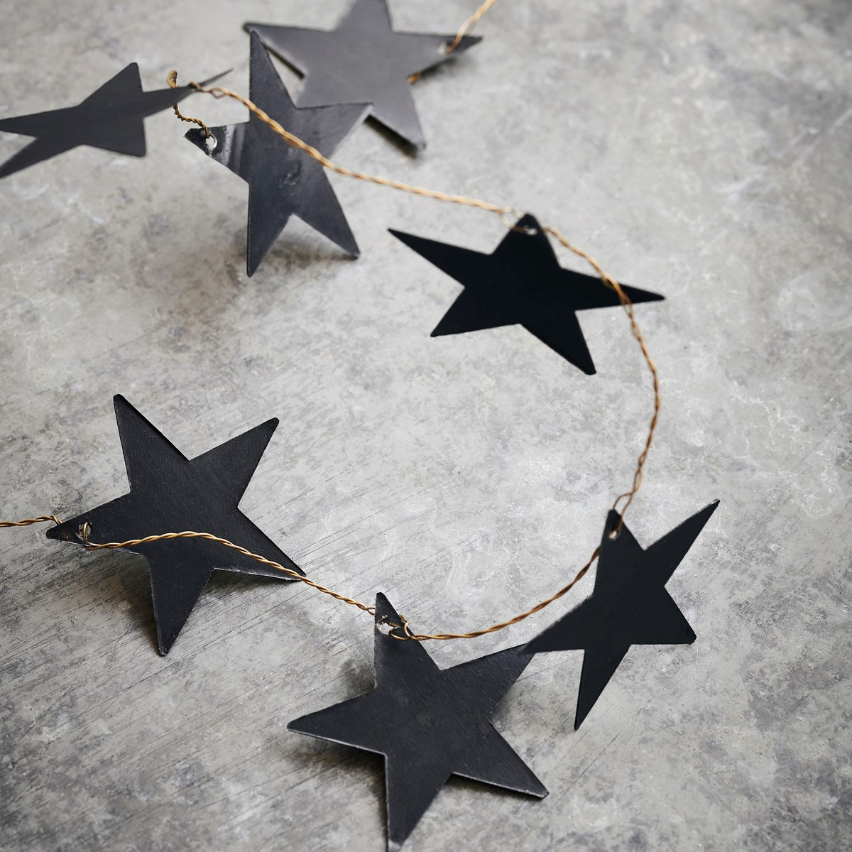 Kovová girlanda hvězdy STARS 250 cm černá_2
