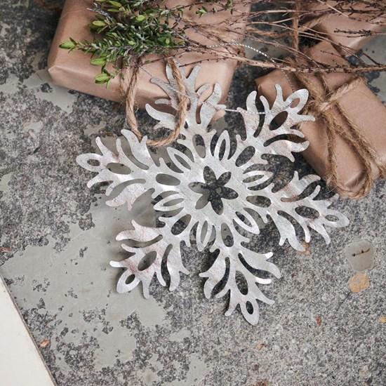 Dekorace plech. květina SNOW FLOWER stříbrná_3