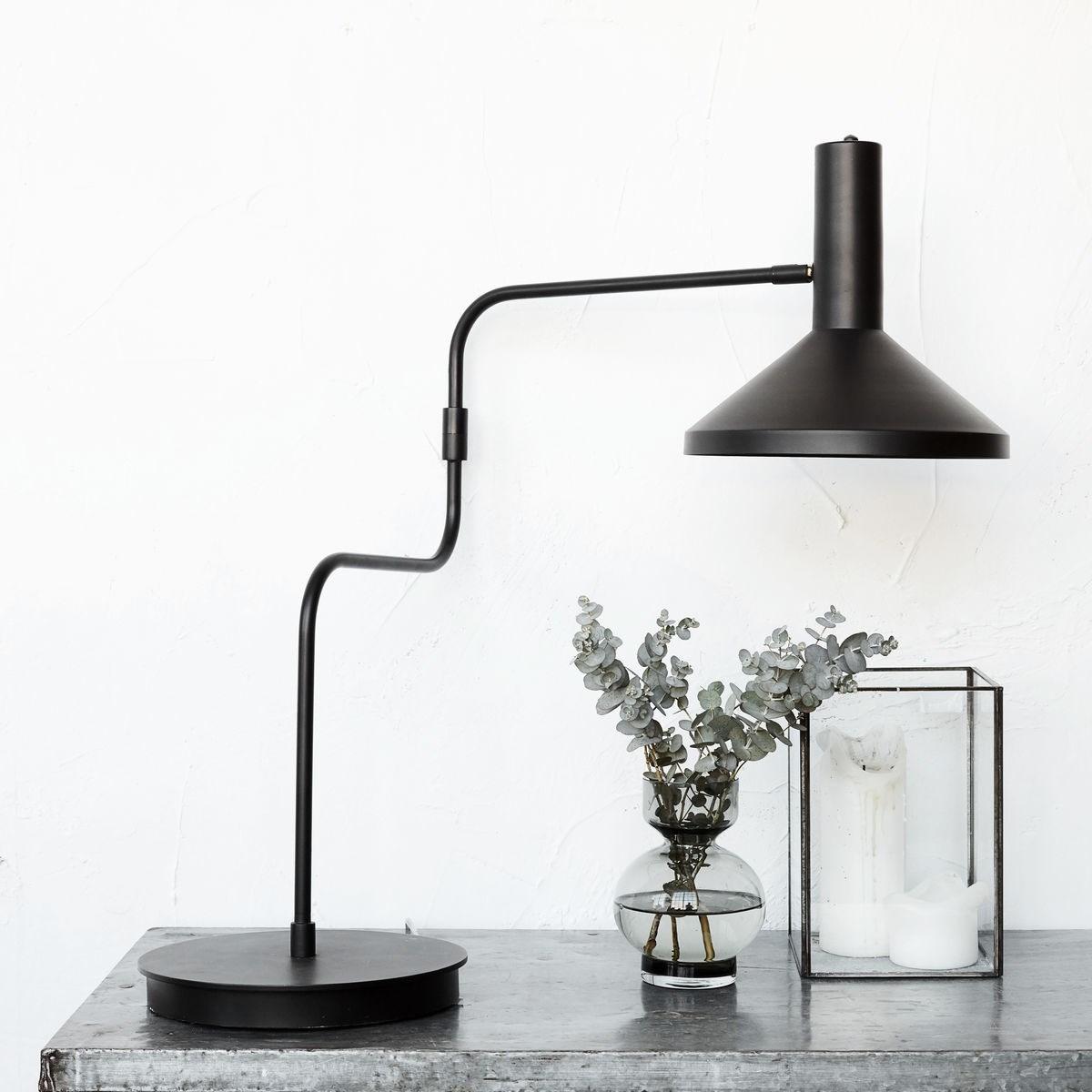 Stolní lampa MALL MADE černá_1