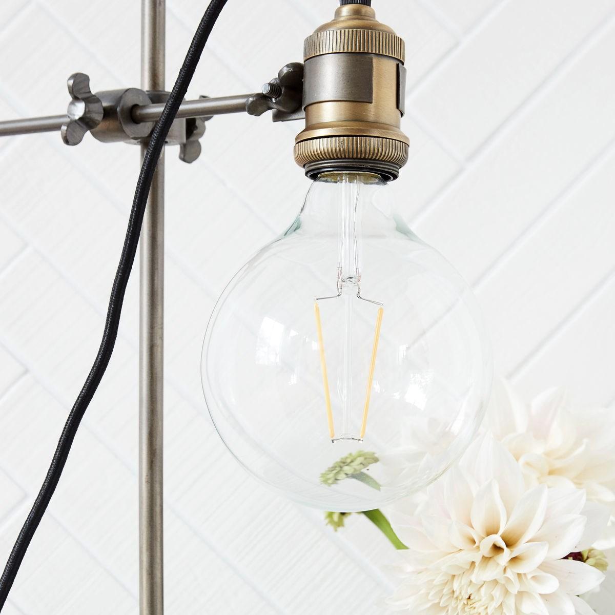 LED žárovka stmívatelná čirá_1