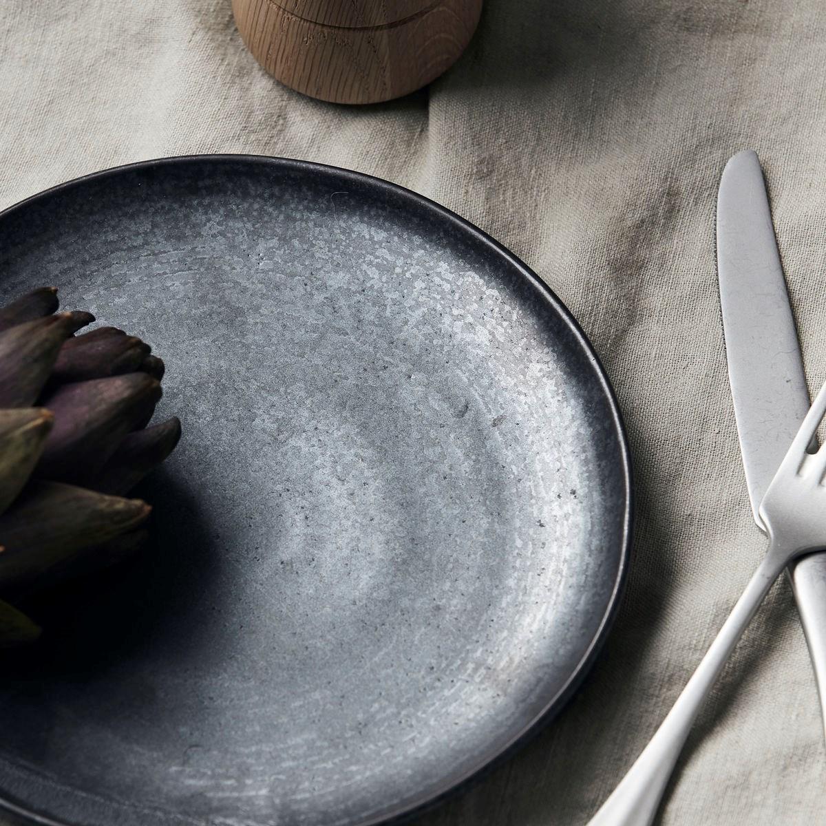 Mělký talíř PION P 21,5 cm černo hnědý_0
