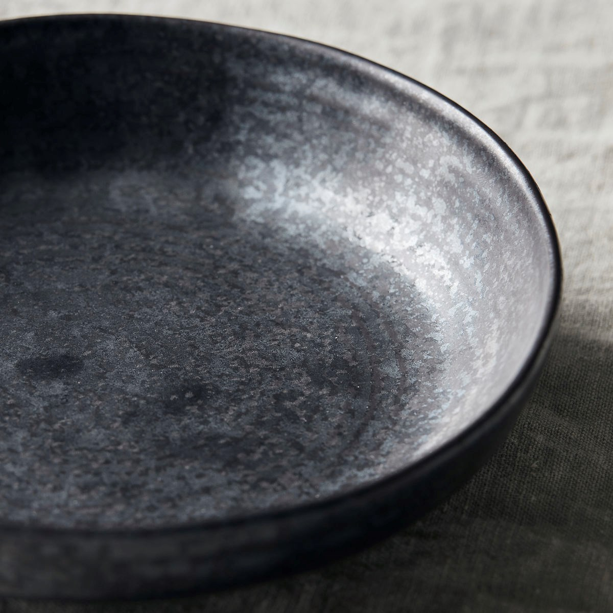 Hluboký talíř PION P.19 cm černo hnědá_1