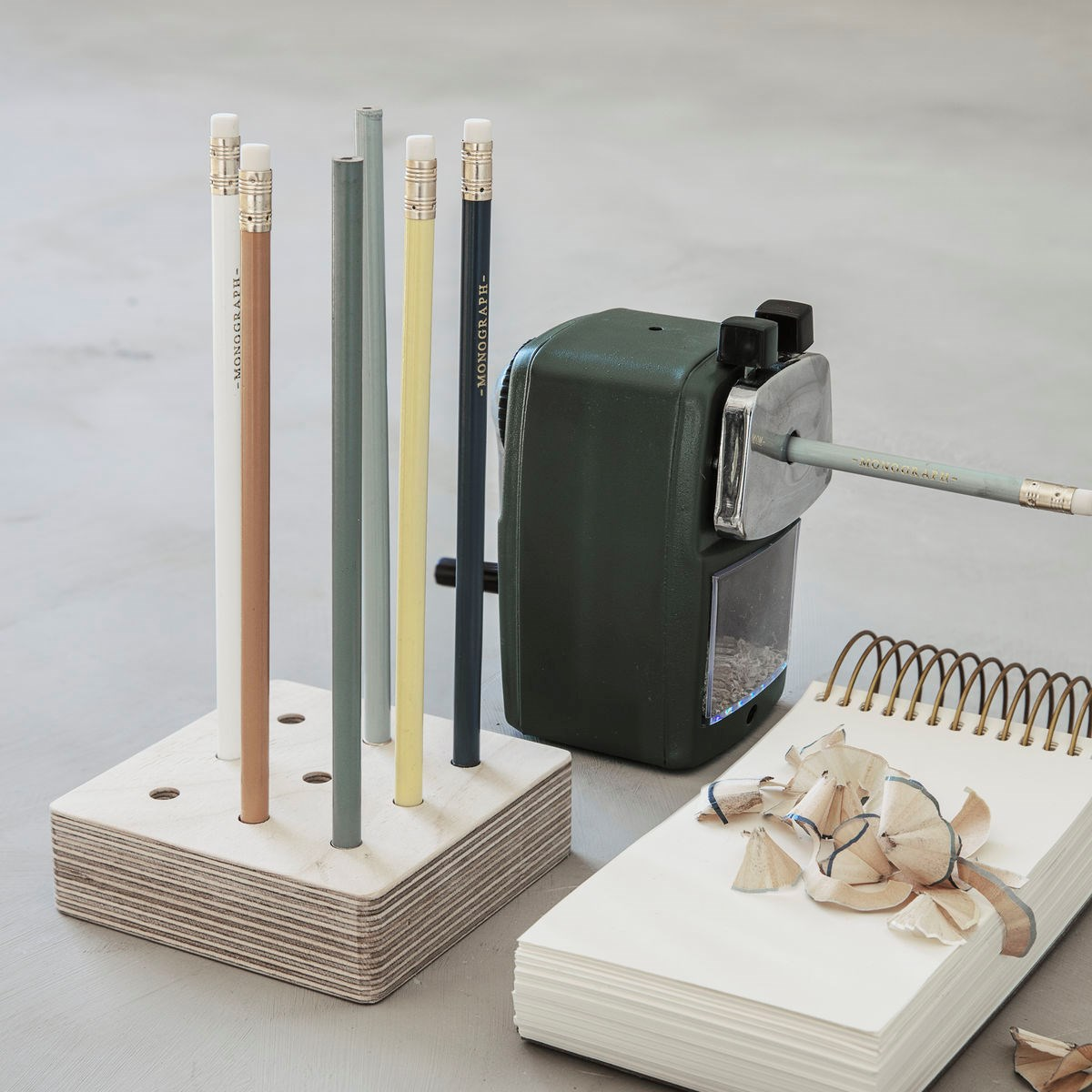 Držák/ zásobník na tužky a pera ROUND dýha_1
