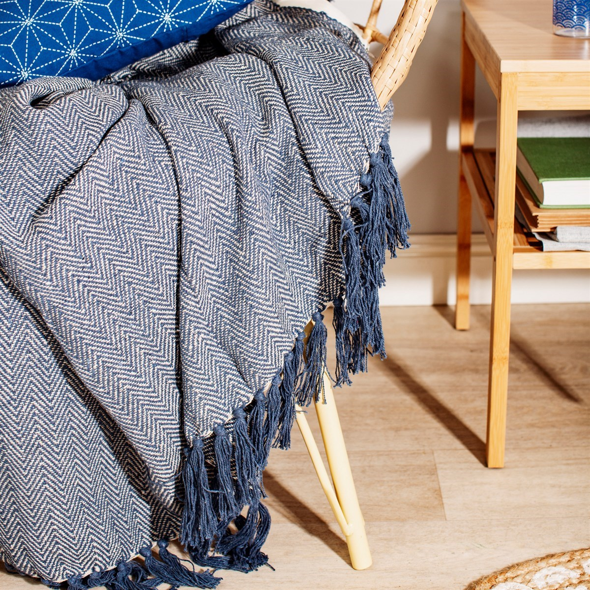 Modrý bavlněný pléd Herringbone 170x130 cm_0
