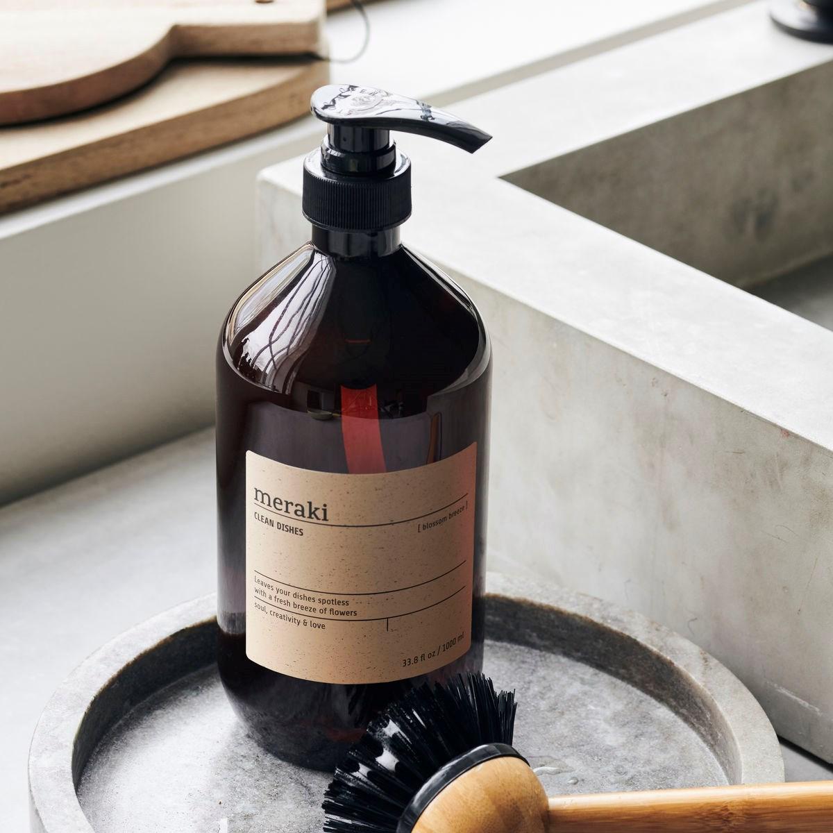 Přípravek na mytí nádobí BLOSSOM BREEZE 1000 ml_0