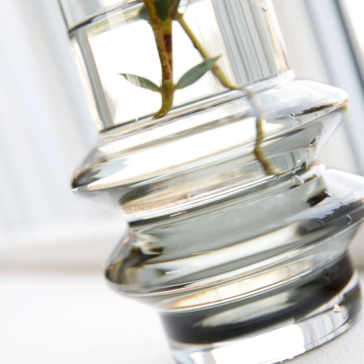 Skleněná váza SAPA kouřově šedá_2