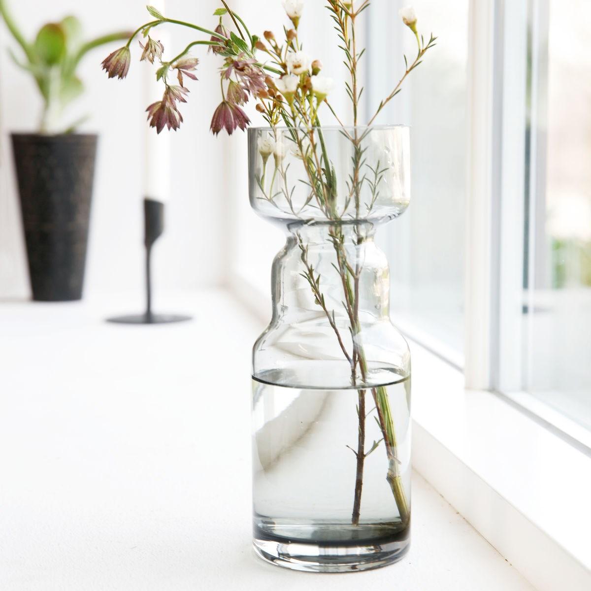 Skleněná váza CINTH kouřově šedá_3