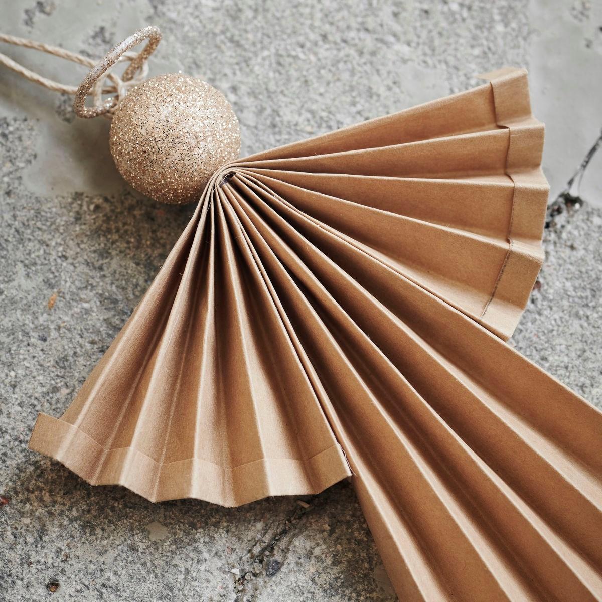 Vánoční ozdoba papírový anděl ANGELS 24 cm přírodní_0