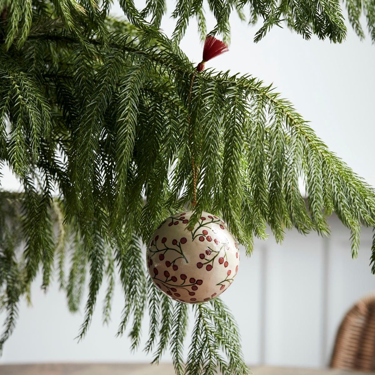 Vánoční ozdoba MACHE 8 cm koule písková_0