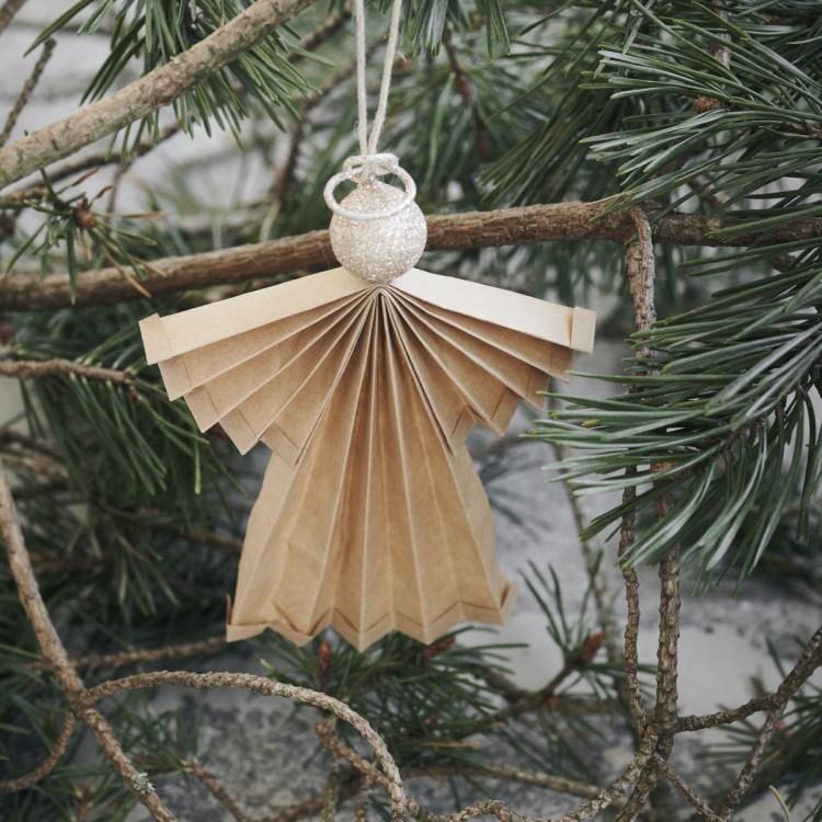 Obrázek z Vánoční ozdoba papírový anděl ANGELS 12 cm přírodní