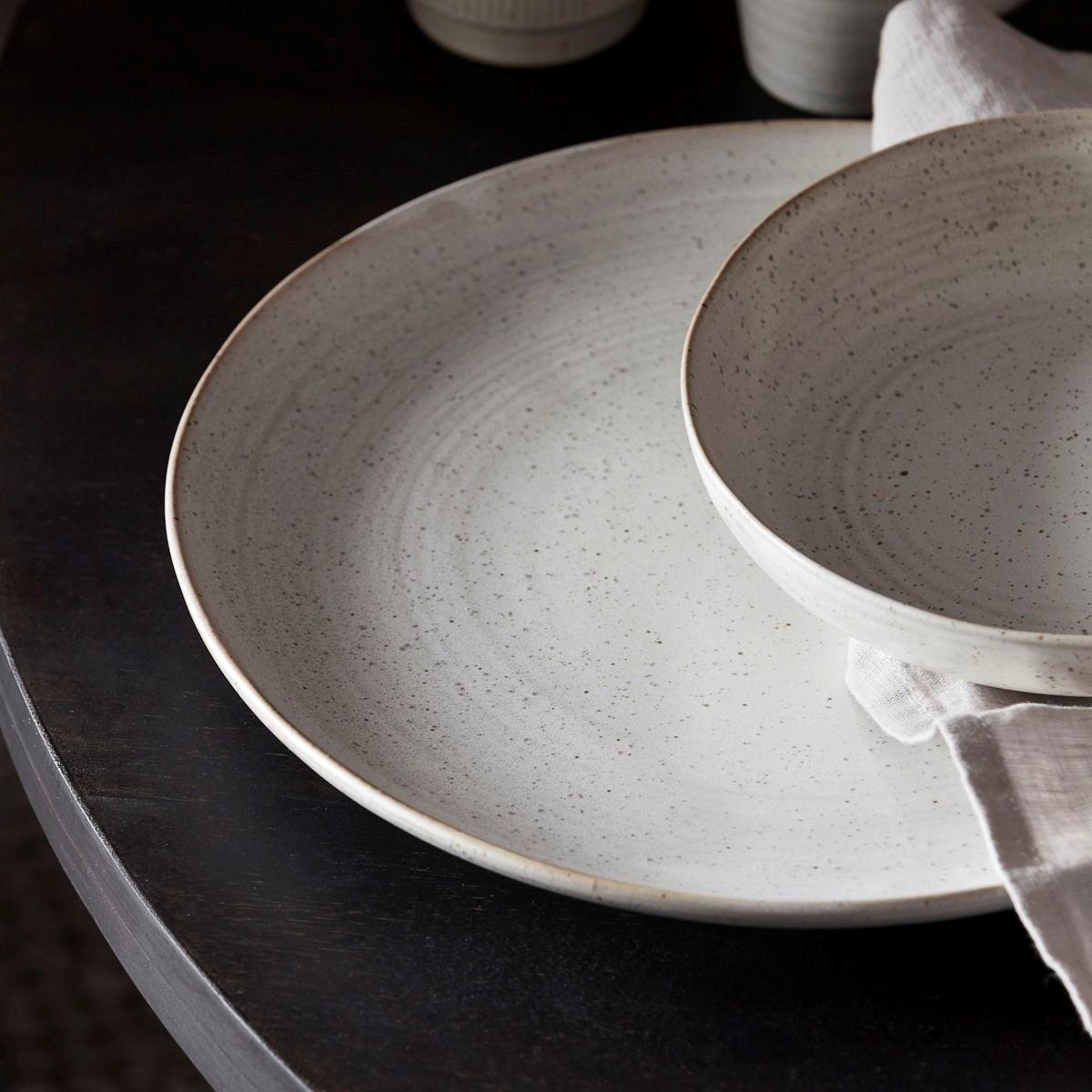 Mělký talíř PION 28,5 cm šedobílý_0