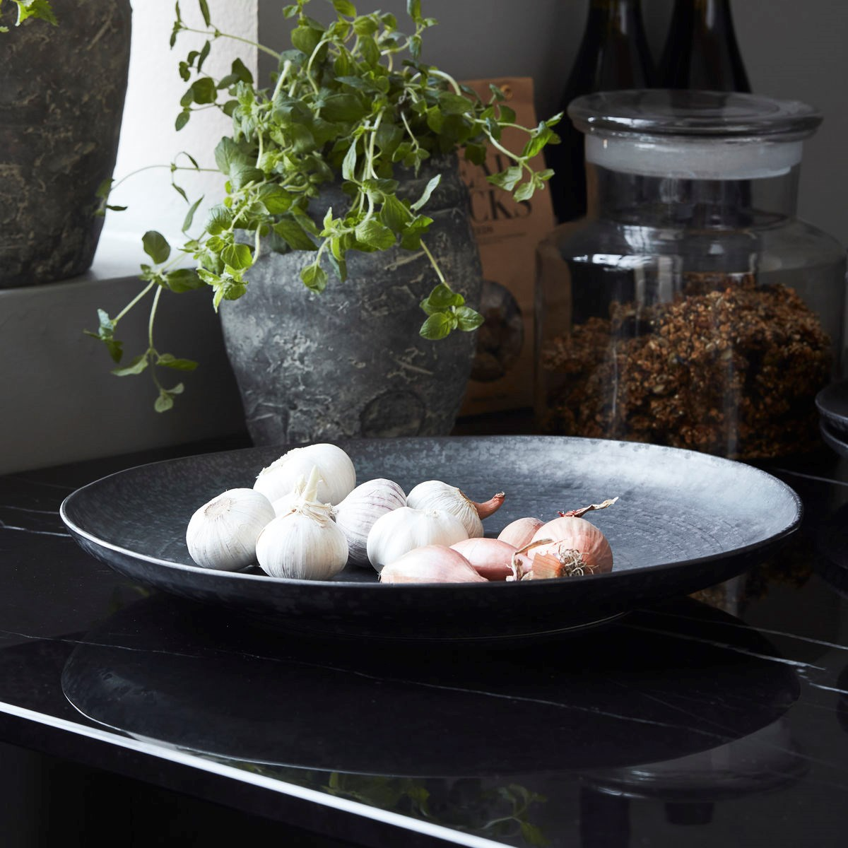 Velký talíř PION 36 cm černá/hnědá_0